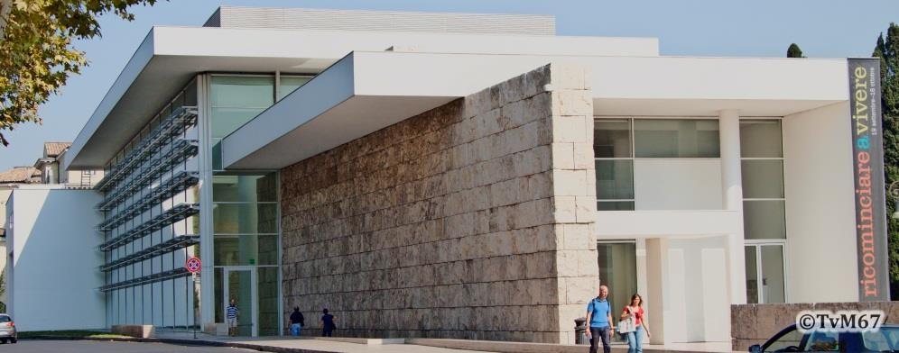 Buitenzijde van het nieuwe Museo dell'Ara Pacis aan de Lungotevere - Ara-Pacis