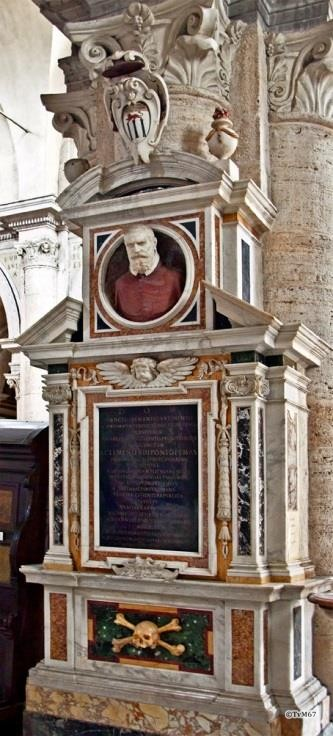 Chiesa di Santa Maria del Popolo - 1e pilaar links, monument van Mantica