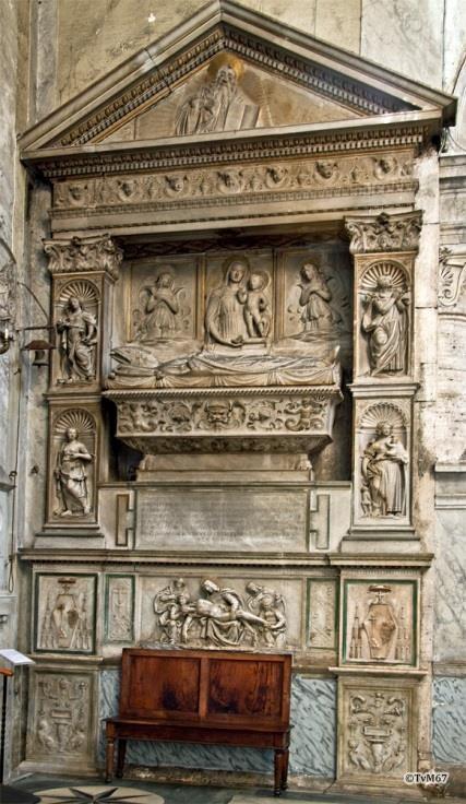 Chiesa di Santa Maria del Popolo - Rechtse transept, Bregno monument van Podocataro