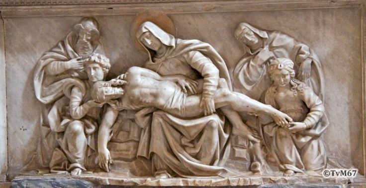 Chiesa di Santa Maria del Popolo - Rechtse transept, Bregno monument van Podocataro, reliëf