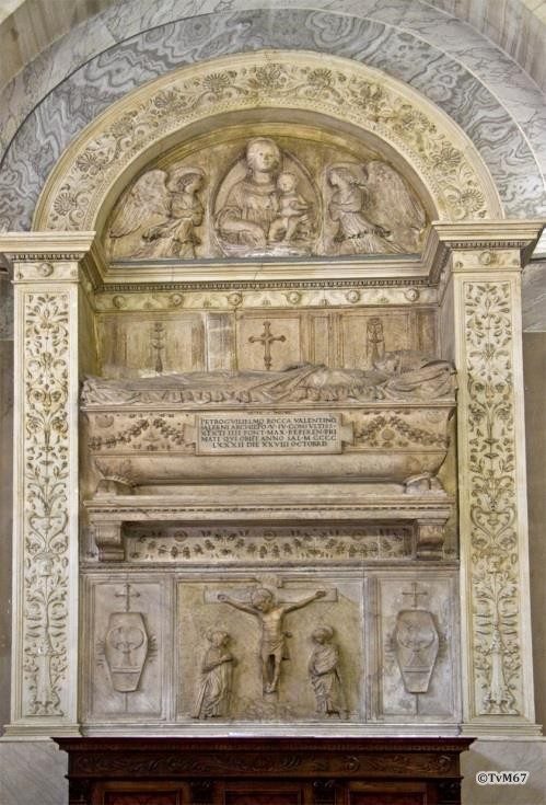 Chiesa di Santa Maria del Popolo- Sagrestia, monument bisschop Rocca