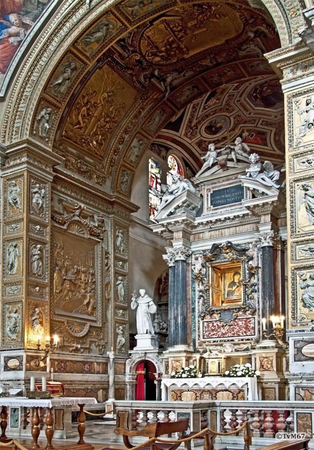 Apsis, Cappella della Madonna, hoogaltaar en de legende van de stichting van de kerk (tegen de linkse wand)