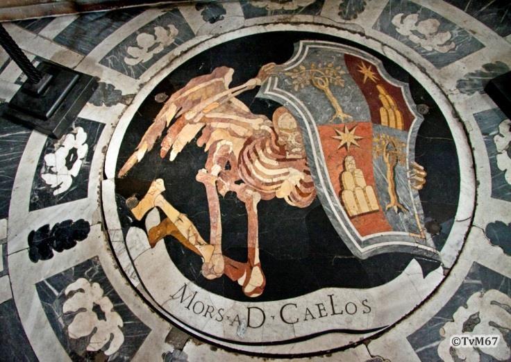 Chiesa di Santa Maria del Popolo -Cappella Chigi, Bernini, vloermozaïek