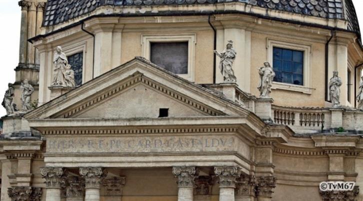 Voorgevel, balustrade - Chiesa-di-St-Maria-dei_Miracoli