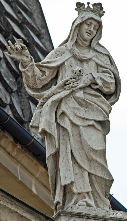 Voorgevel, beelden op de balustrade - Chiesa-di-St-Maria-dei_Miracoli_004a