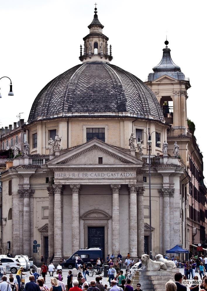 Voorgevel - Chiesa-di-St-Maria-di-Montesanto_001