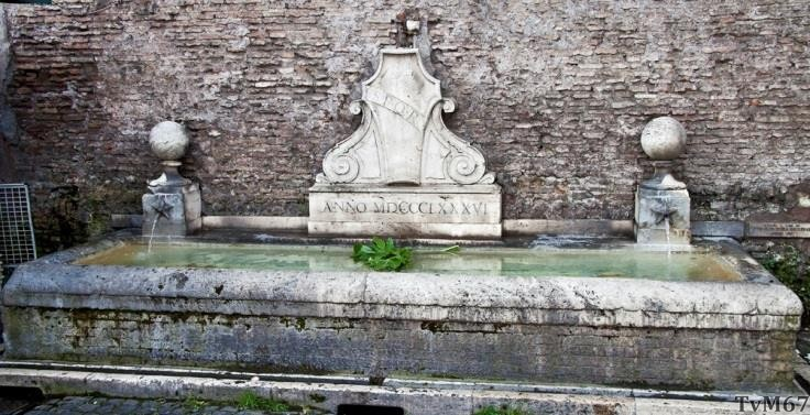 Fontein bij de Porta del Popolo (Piazzale Flaminio)