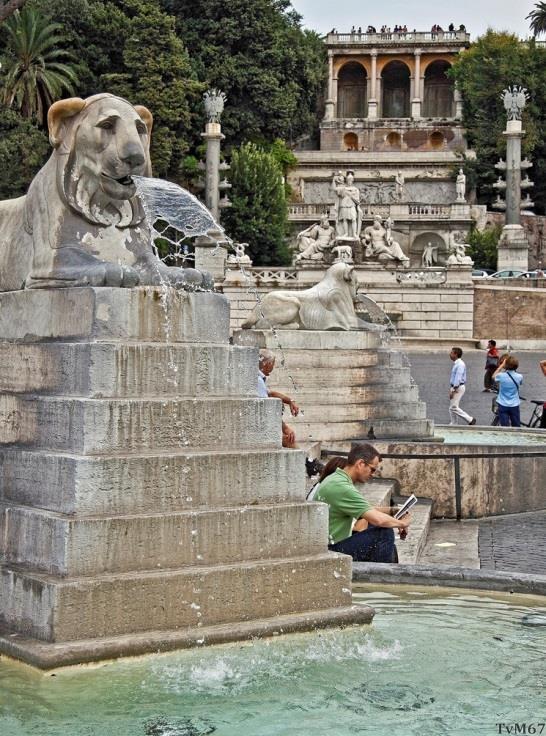 Fontana dell'obelisco, Fontana della Dea Roma en de helling van de Pincio