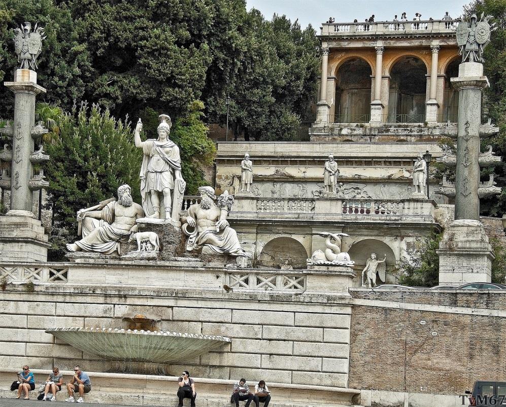 Fontana della Dea Roma (voorgrond) en Fontana della Mostra dell'Acqua Vergine