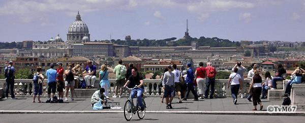 Pincio, Piazzale Napoleone I, uitzicht naar het Vaticaan *