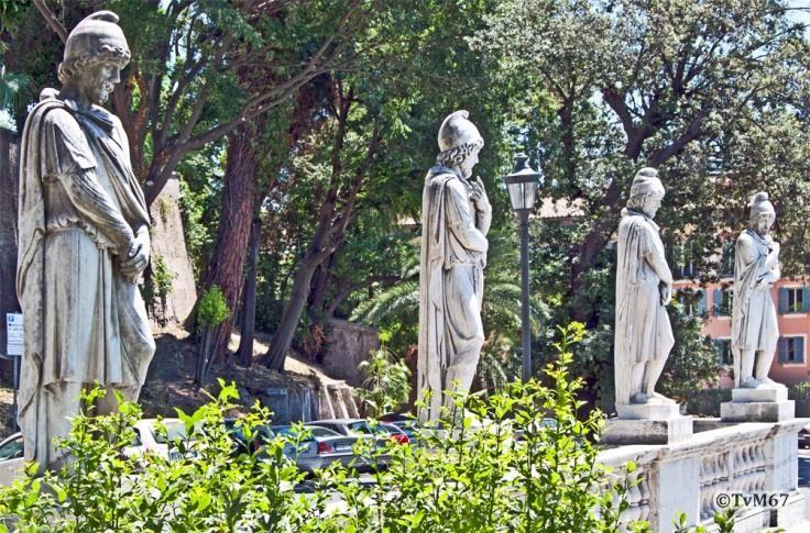 Pincio, Fontana della Mostra dell' Acqua Vergine,- Dacische gevangenen