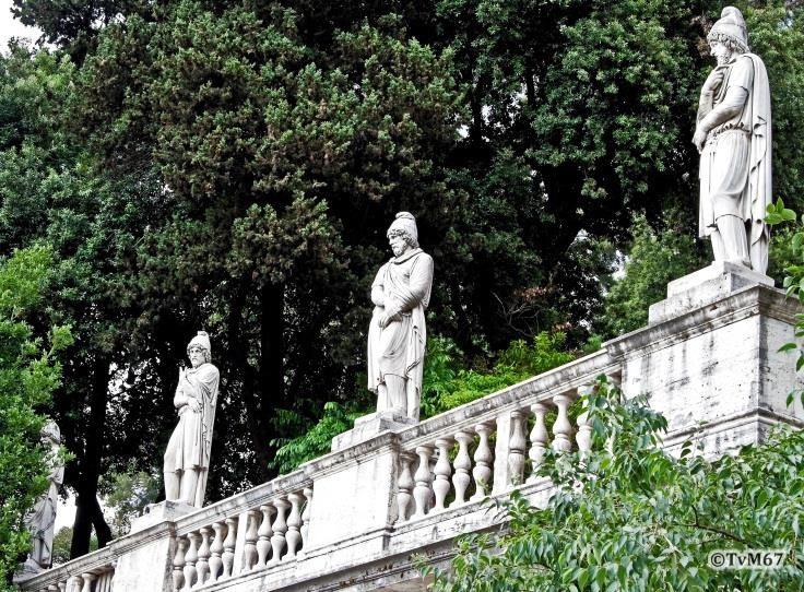 Pincio, Fontana della Mostra dell'Acqua Vergine, Dacische gevangen