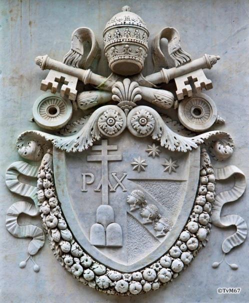 Pincio, Obelisco Pinciano, voetstuk