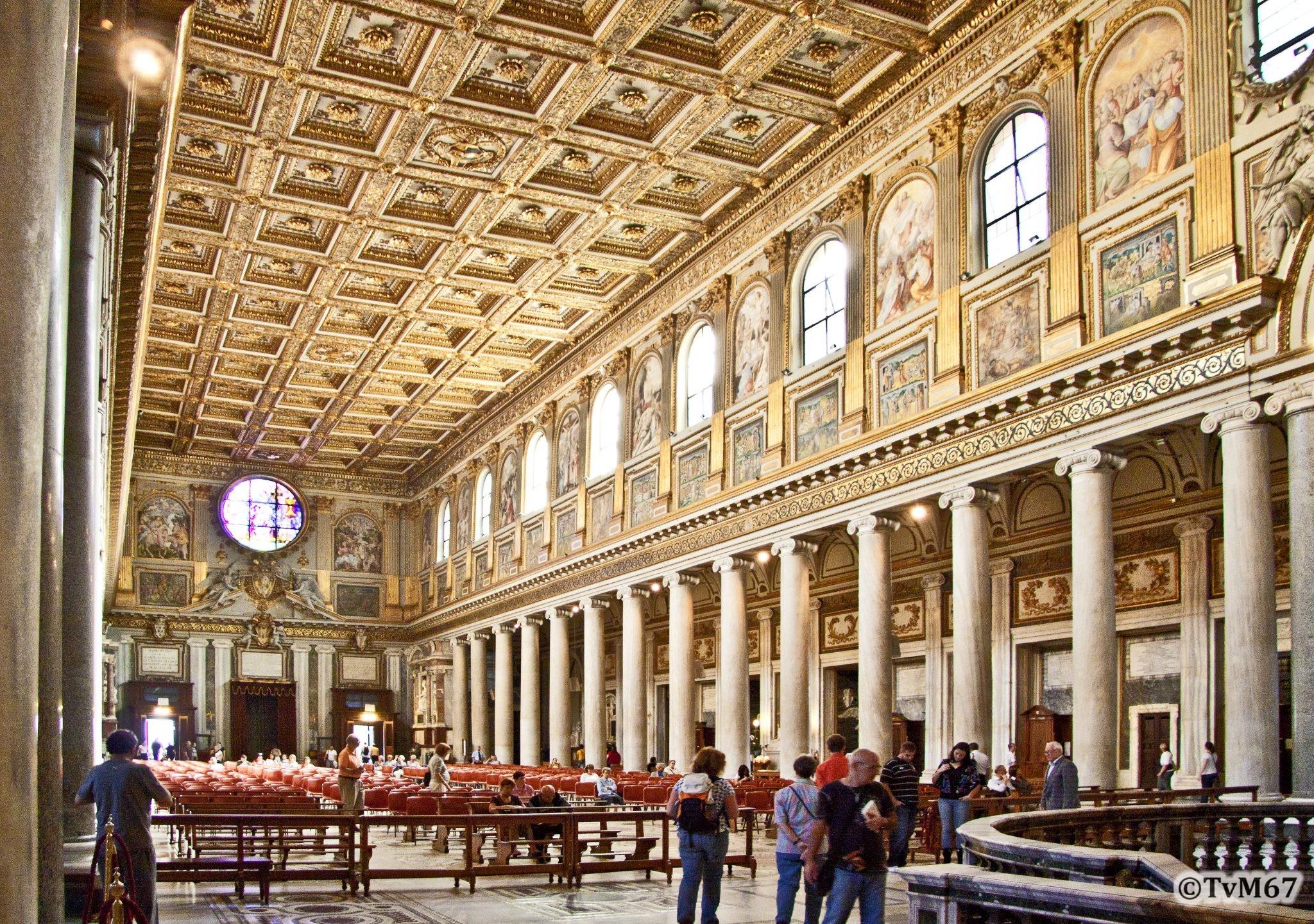 Roma, Basilica di Santa Maria Maggiore, Middenschip, van voor naar achter, 2009