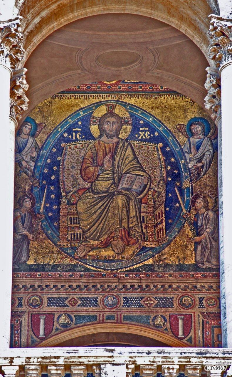 Roma, Basilica di Santa Maria Maggiore, gevelloggia, Filippo Risuti, Tronende Christus en de vier evangelisten (internet)