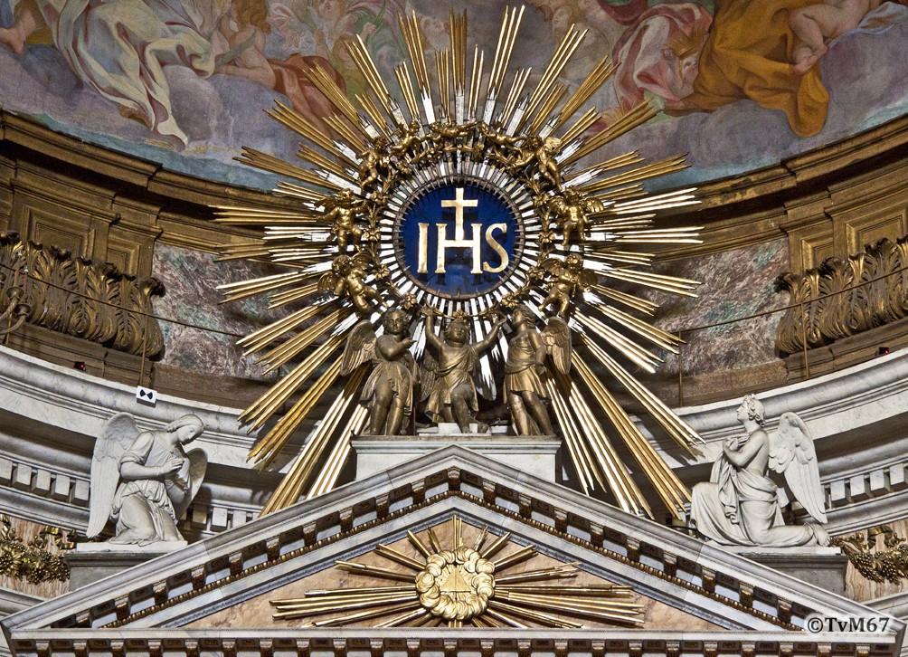 Roma, Chiesa del Gesù, Apsis, Altaar, Fronton en IHS- teken,