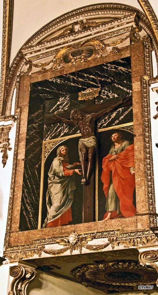 Roma, Chiesa del Gesù, Sagrestia, Ingangsgevel, Fresco en crucifix, 2011