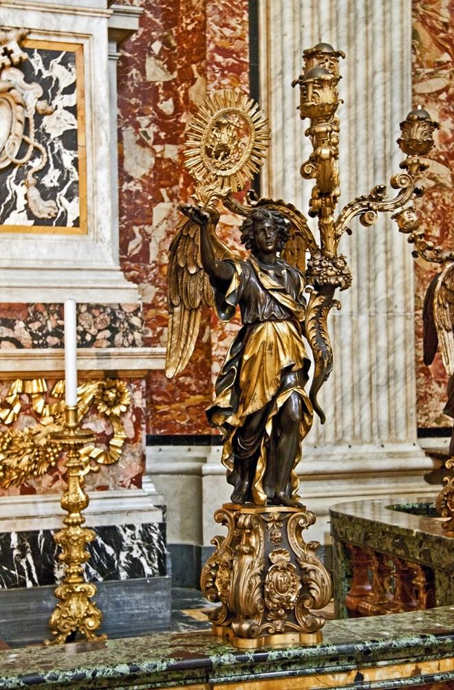 Cappella di San Francesco Saverio, kandelaber *