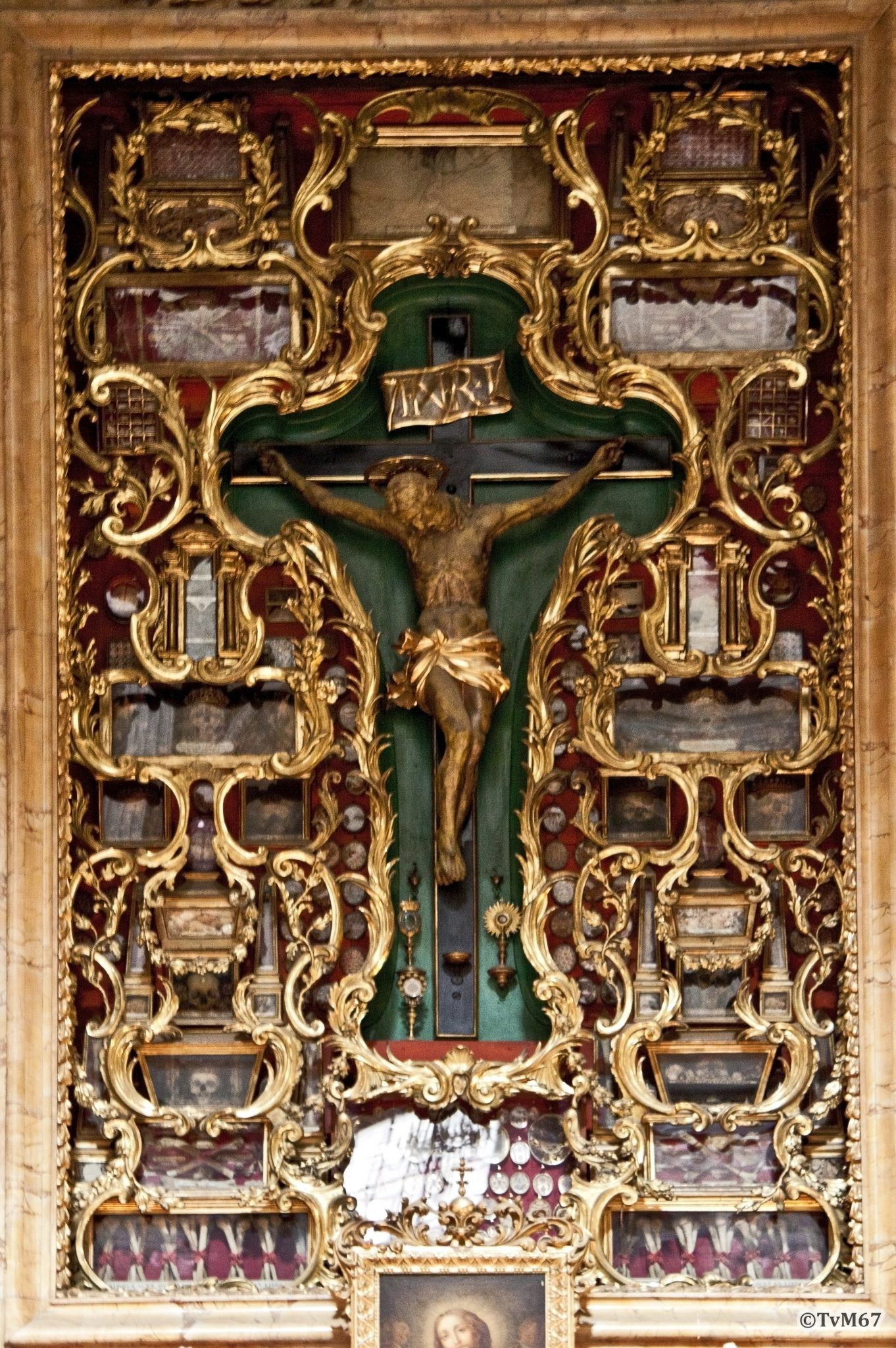 Cappella del Crocifisso, Altaaropstand