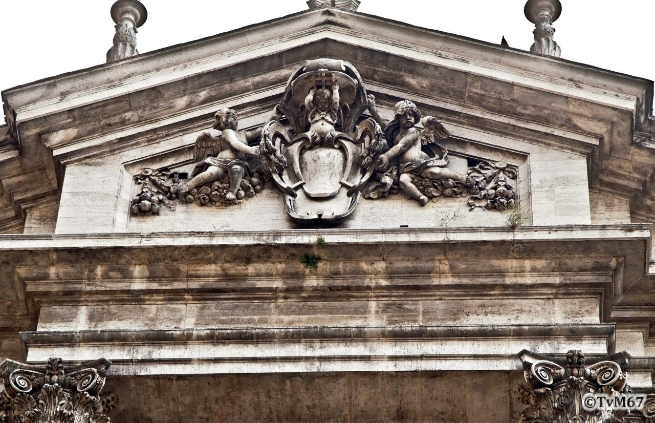Roma, Chiesa di Sant'Ignazio, gevel, fronton