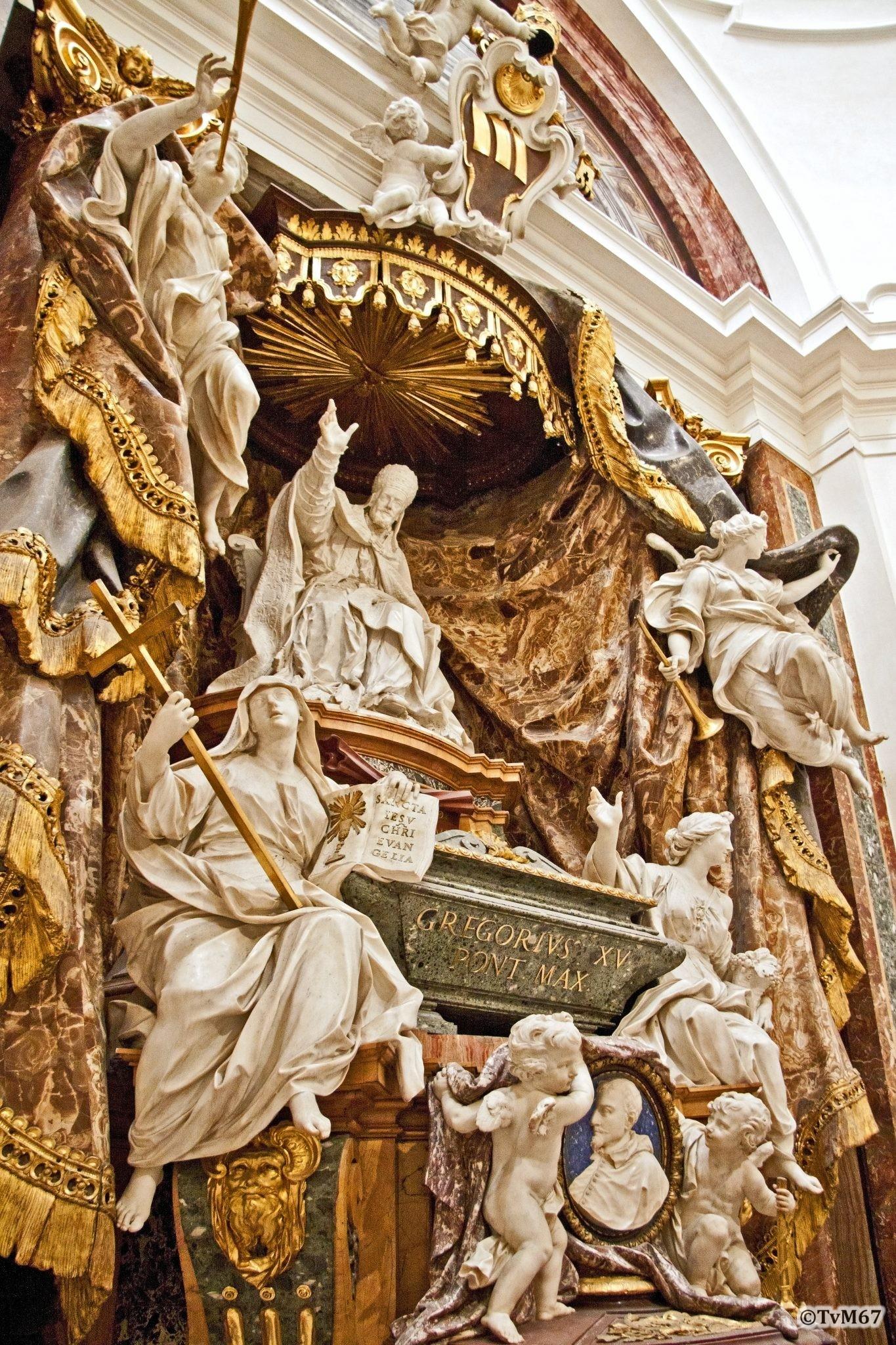 Roma, Chiesa di Sant'Ignazio, Cappella Ludovisi, Cappella Ludovisi, Legros en Monnot, Monument van paus GregoriusXV en van kardinaal Ludovisi