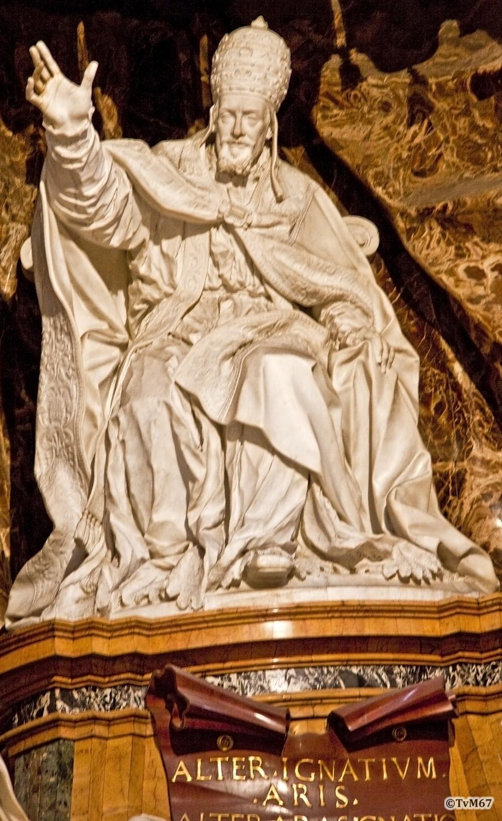 Roma, Chiesa di Sant'Ignazio, koorkapel re, Cap Ludovisi, Legros en Monnot, Beeld op graf Gregorius XV, 2009