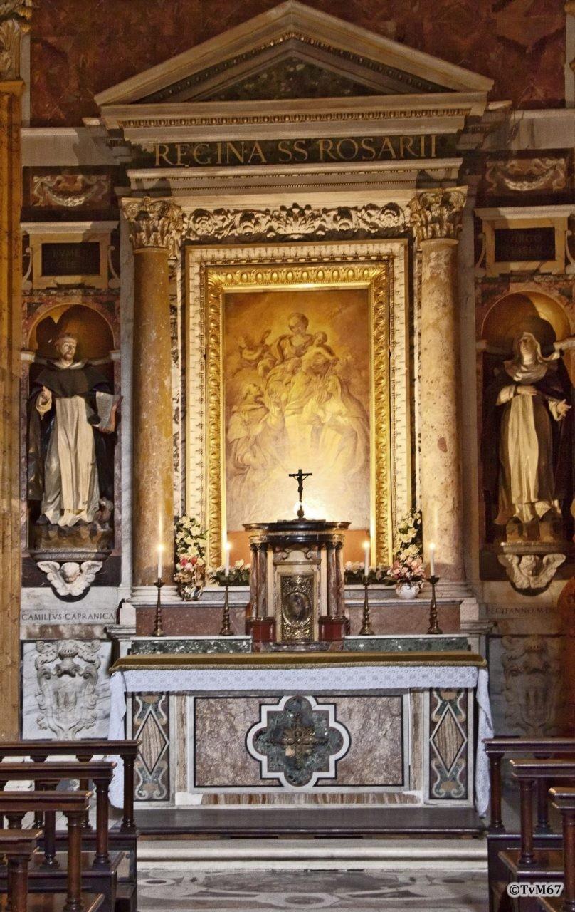 Roma, Chiesa di Santa Maria sopra Minerva, 1e koorkap re, Cap Capranica, Altaar