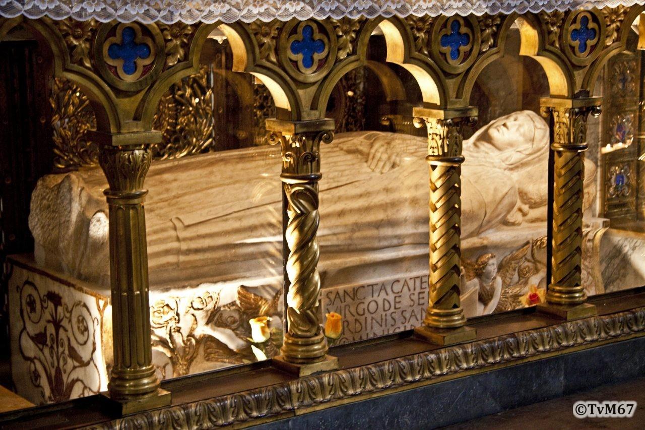 Roma, Chiesa di Santa Maria sopra Minerva, Apsis, Altaar, Mon Santa Caterina da Siena, 2009