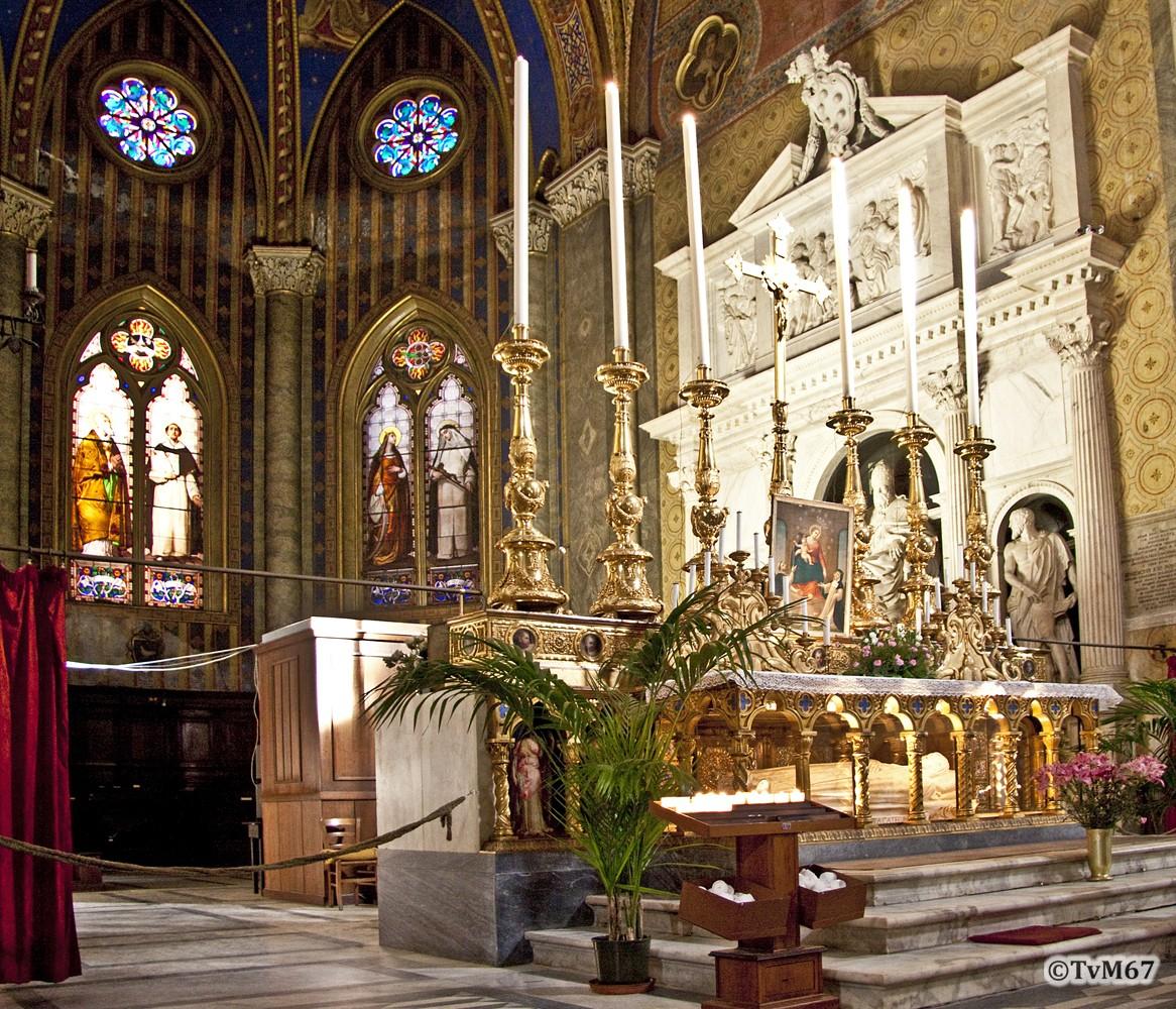 Roma, Chiesa di Santa Maria sopra Minerva, Apsis naar rechts