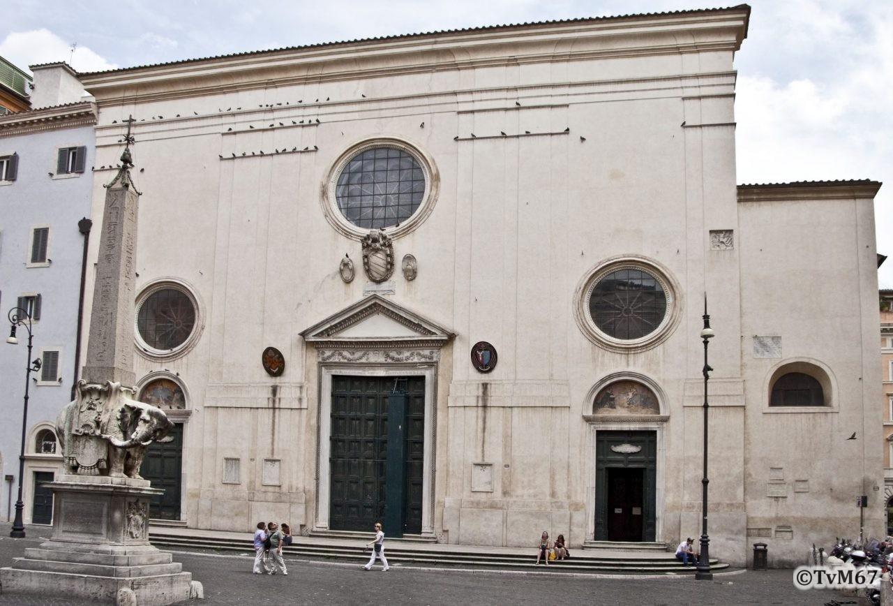 Roma, Chiesa di Santa Maria sopra Minerva, Gevel buitenzijde, 2011