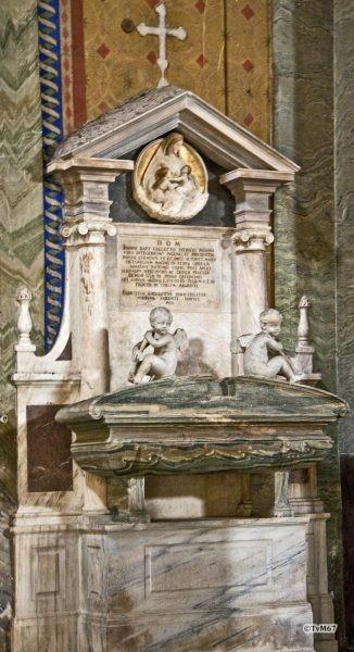 Roma, Chiesa di Santa Maria sopra Minerva, ingangsgevel mi, graf Galetti, 2011