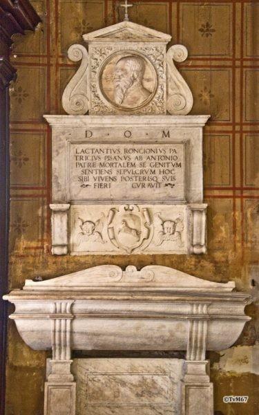 Roma, Chiesa di Santa Maria sopra Minerva, ingangsgevel mi, graf Lactatius Roncioni, 2011