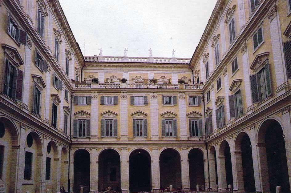Roma, Palazzo Altieri, Binnenplaats (internet)