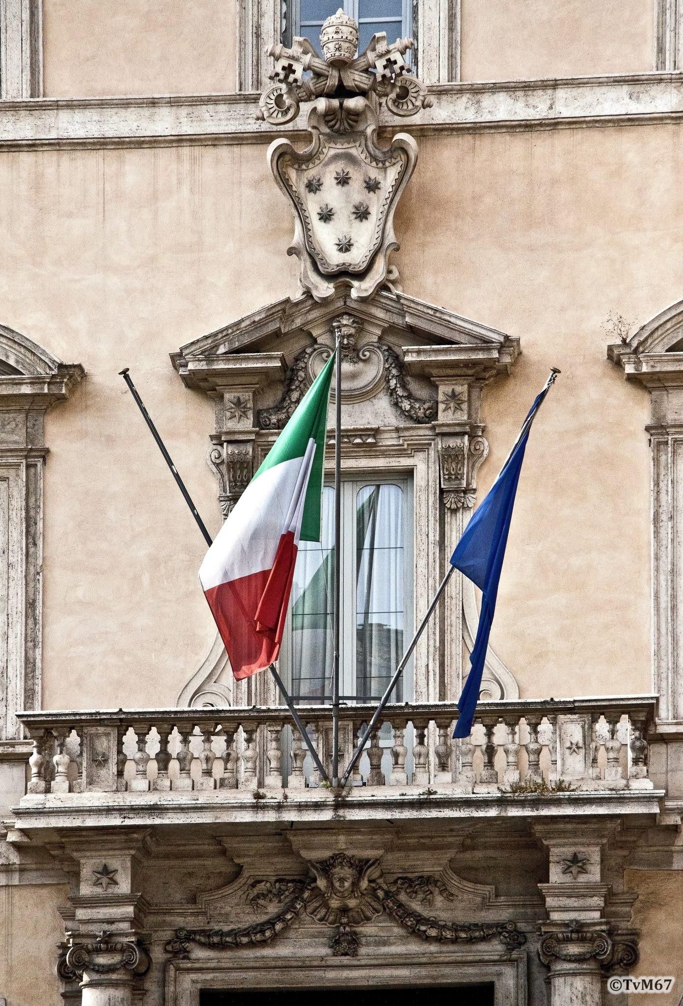 Roma, Palazzo Altieri, Portaal, 2011