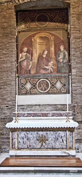 Roma, Pantheon, 3e k, Cap della Madonna delle Clemenza, Madonna della Grazie, etc, 2011