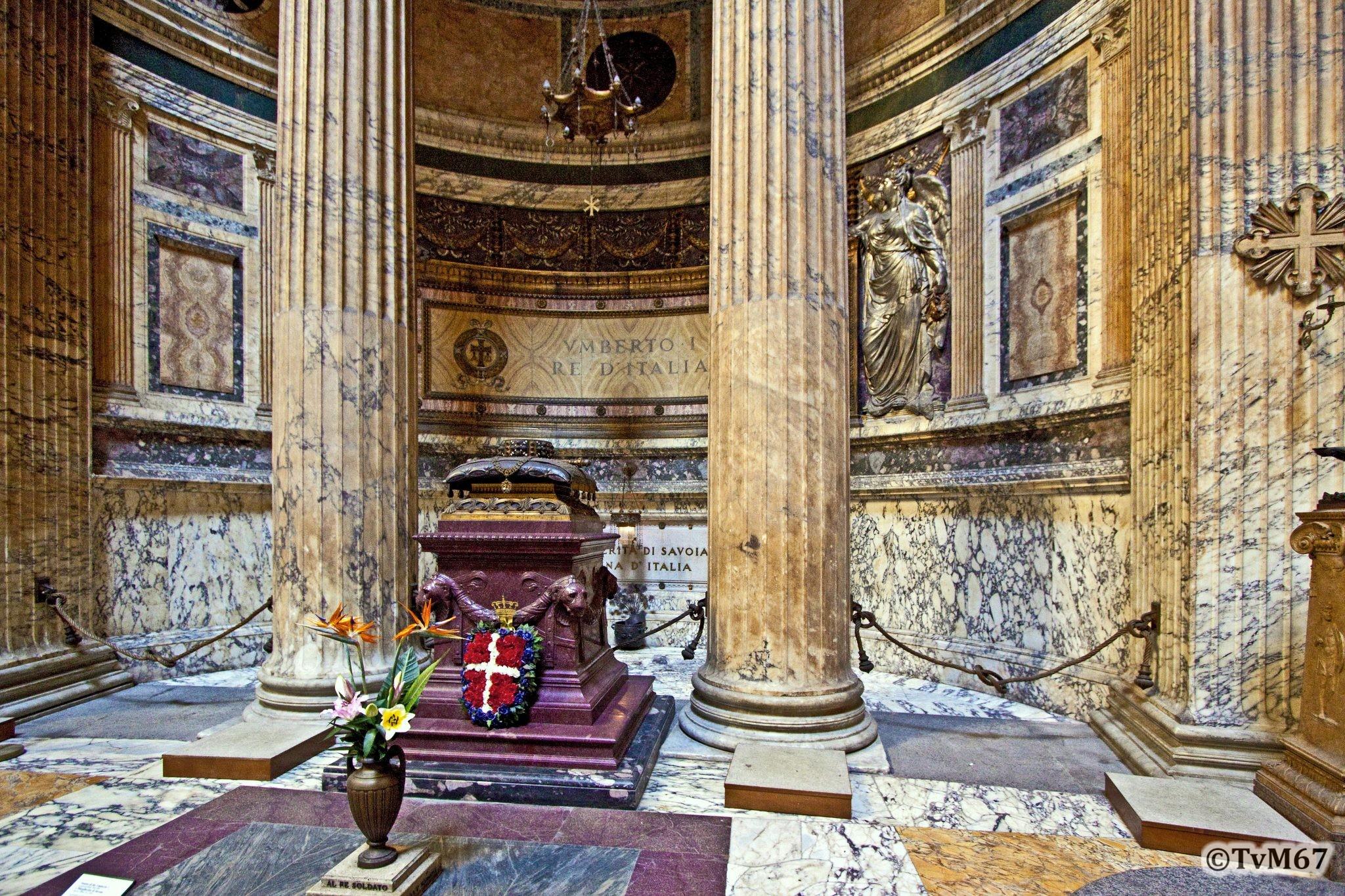 6e kapel, Scacconi, Monument van koning UmbertoI en koningin Margherita