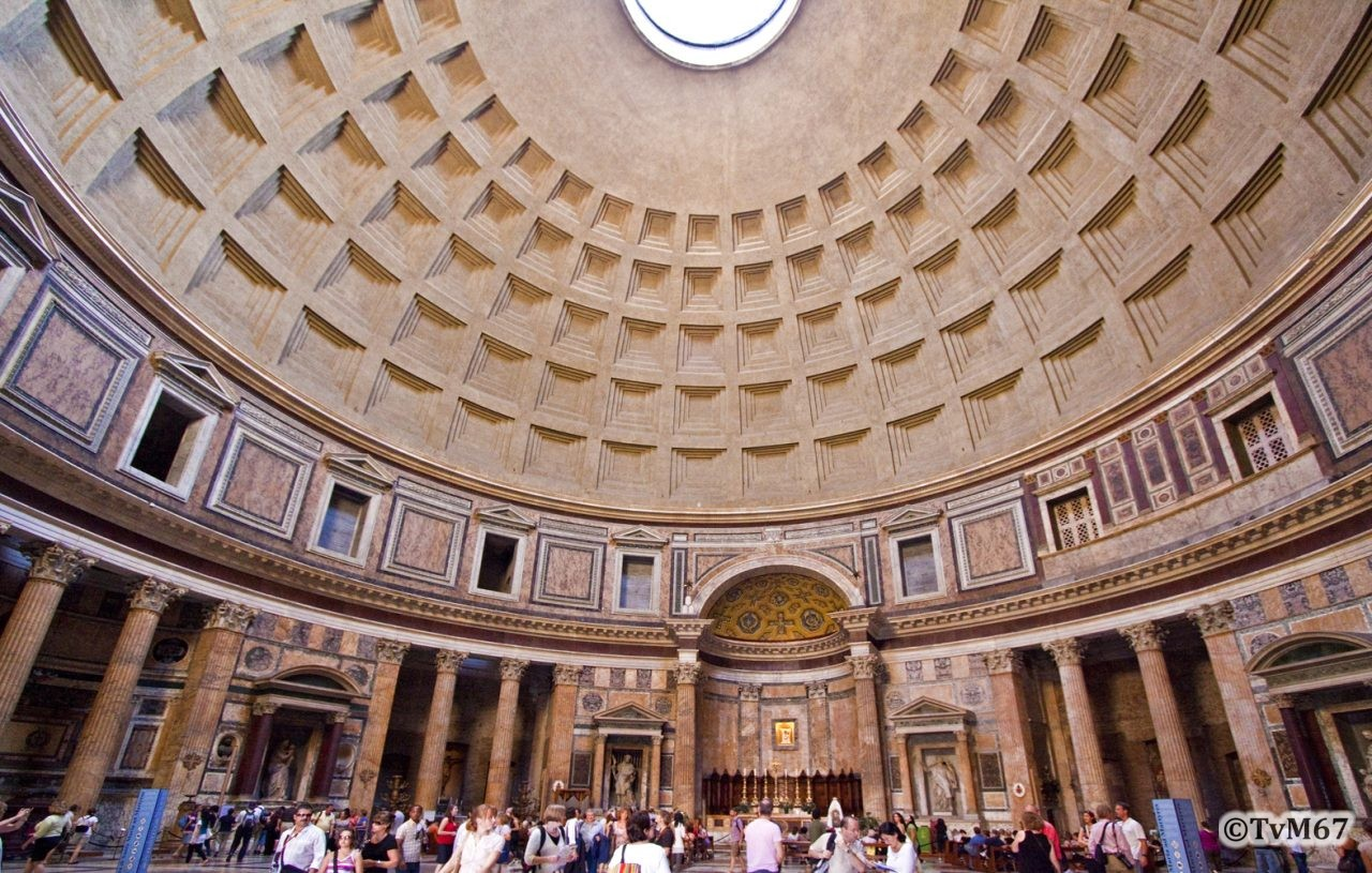 Roma, Pantheon, Binnenzijde ri altaar 1, 2009