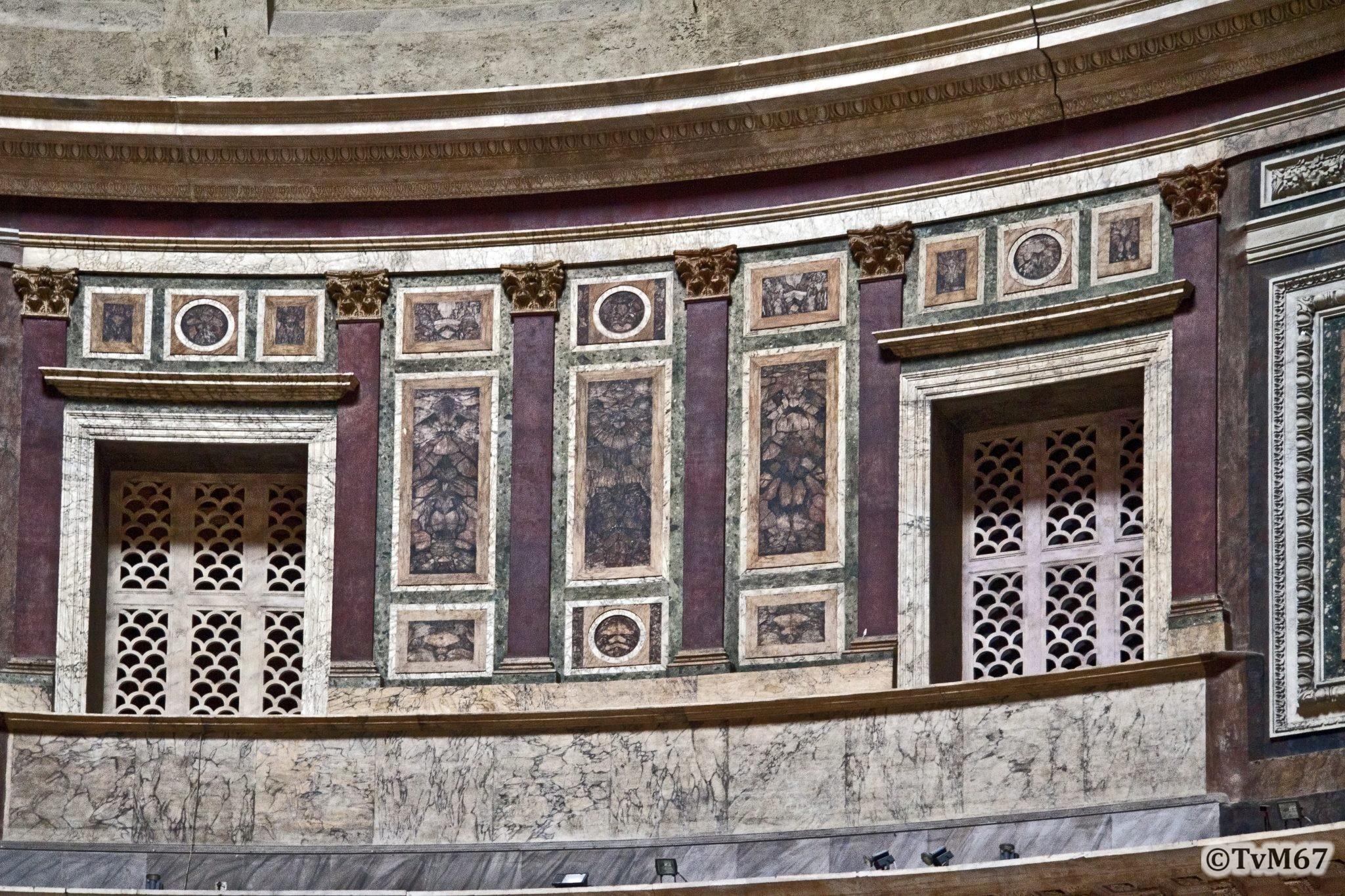 Roma, Pantheon, Bovenring, teruggerestaureerd deel. 2011