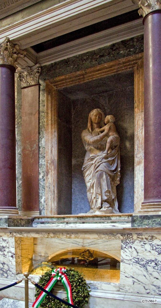 Roma, Pantheon, Graf Rafael en Mariabeeld, 2009