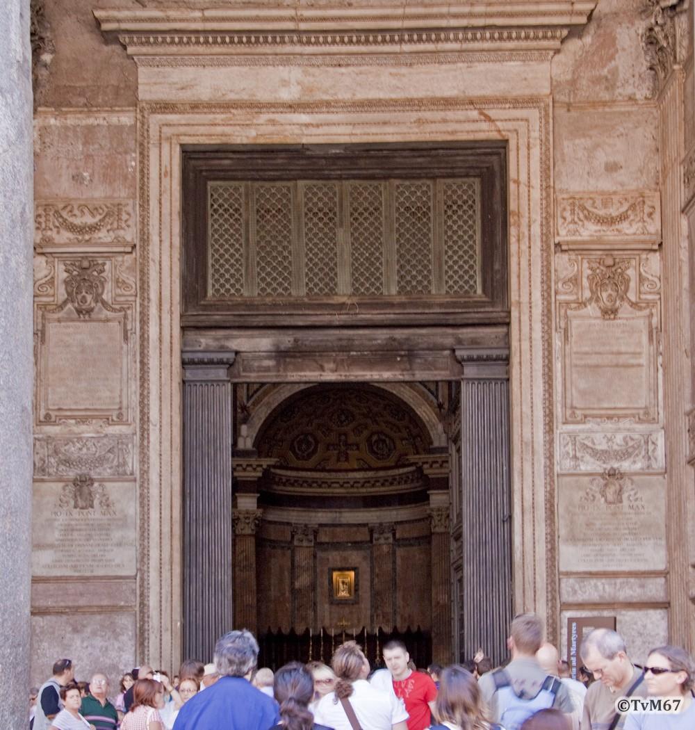 Roma, Pantheon, Ingang, 2009