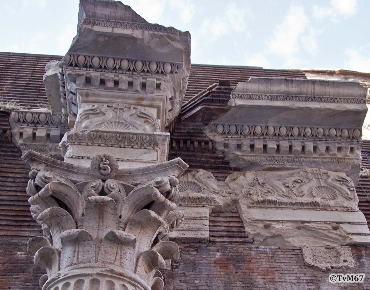 Roma, Pantheon, Kapiteel buitenzijde, 2009
