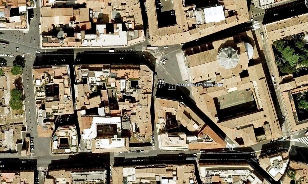 Piazza del Gesù, Satellietfoto (internet)