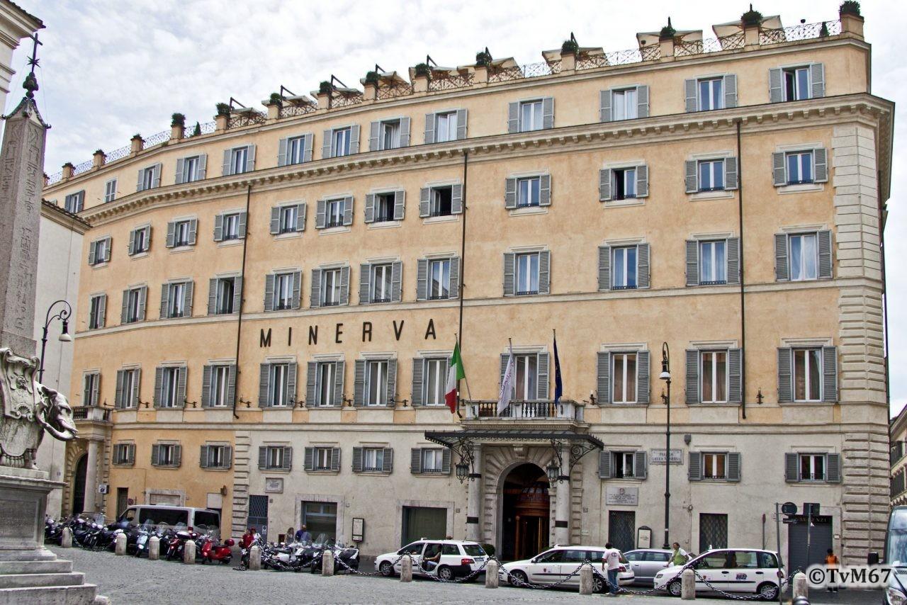 Roma, Piazza della Minerva, Hotel Minerva, Gevel