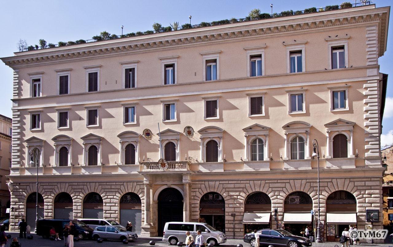 Roma, Piazza della Minerva, Palazzo dell'Academia Ecclesiastica, 2009