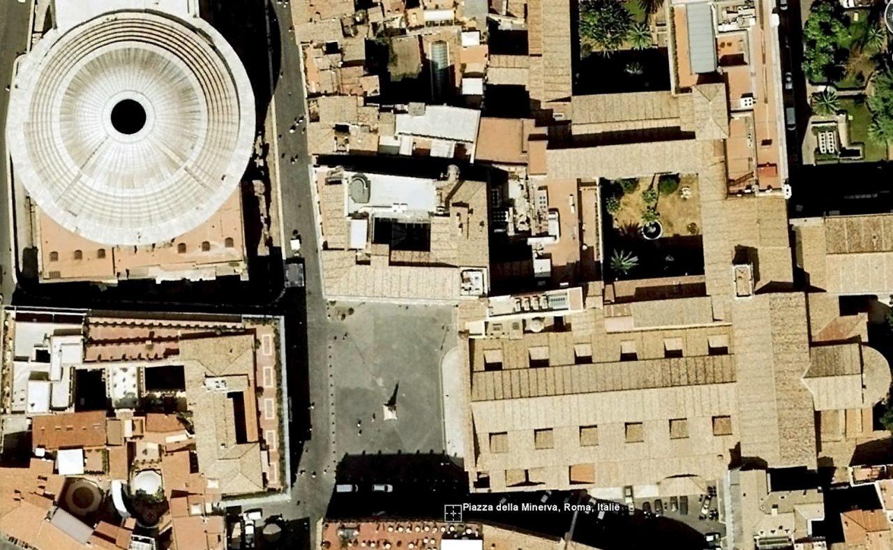 Roma, Piazza della Minerva, satelietfoto (internet)