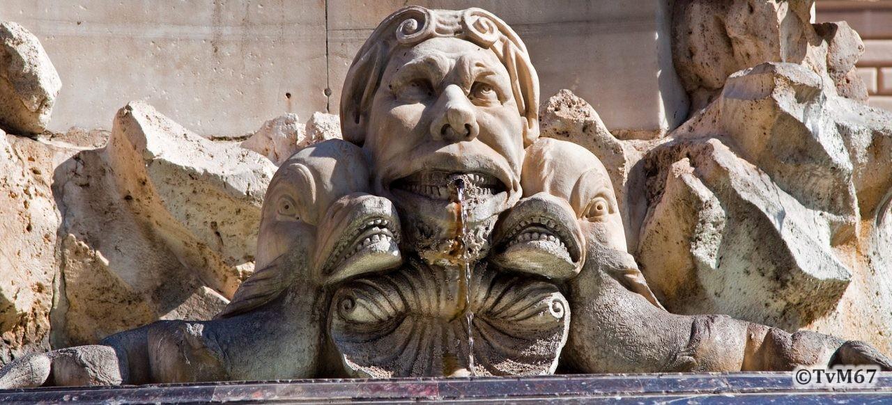 Roma, Piazza della Rotonda, Fontein, detail, 2009