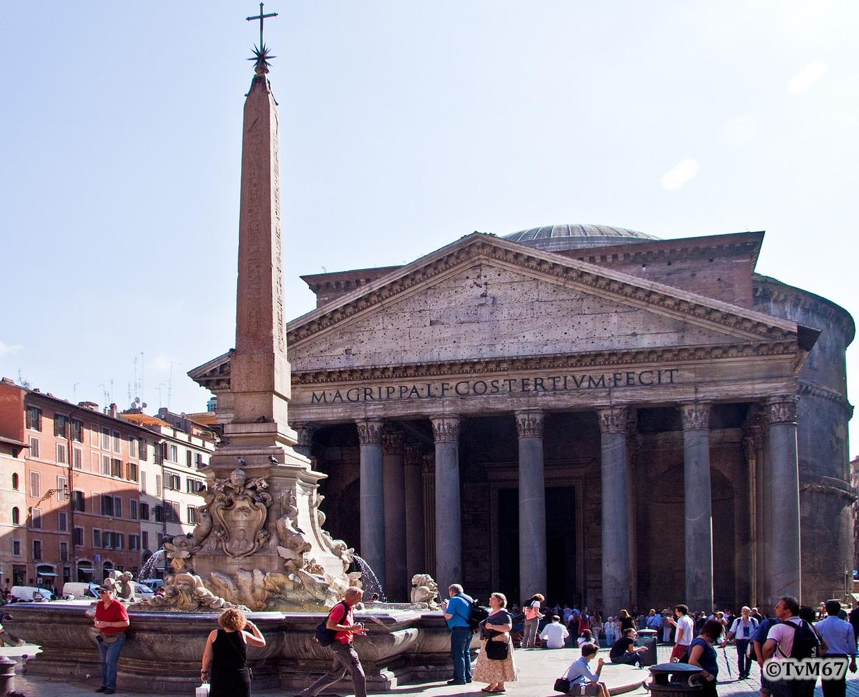 Roma, Piazza della Rotonda, Pantheon, Fontein en obelisk, 2009